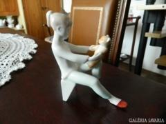 Macival játszó lány :aquincumi porcelángyárból RITKA!!