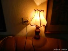 Szép, régi  favázas aztali lámpa