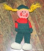 Kézzel horgolt gyerek - kézimunka dekoráció
