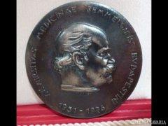 Y364 I2 Ezüstözött bronzplakett Madarassy Walter