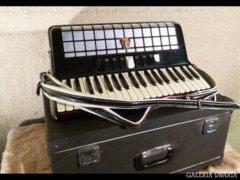 0205 PARROT tangó harmónika 120 basszusos