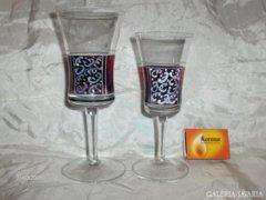 Két darab kézzel festett talpas üveg pohár