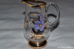 Gyönyörű üveg kiöntő