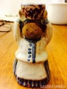 Kiss-rooz woman figurine