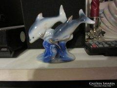 Porcelán delfinek