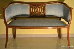 Ülőgarnitúra restaurált hibátlan állapotban