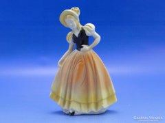 0B618 Régi német jelzett porcelán női szobor