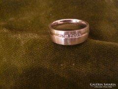 Fehérarany brilles modern gyűrű
