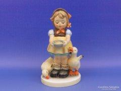 0D033 Hummel kacsát etető kislány TMK 7