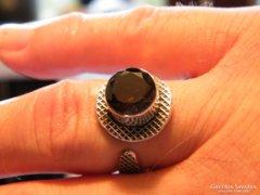 Ezüst gyűrű,925-ös,füstkvarc kővel.