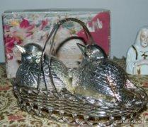Ezüstözött asztali fűszeres - madarak kosárban /dobozával