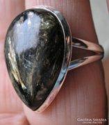 925 ezüst gyűrű, 18.9/59,3 mm, arany szerafinittel