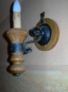 Fa és kovácsoltvas fali lámpa