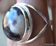 925 ezüst gyűrű 18,9 mm, új, szugilittel