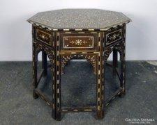 0F003 Antik csont intarziás keleti asztal