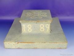 0F430 Antik cserépkályha csúcsdísze 1889