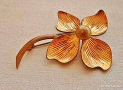 Gyönyörű antik aranyozott virág bross