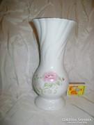 Rózsás porcelán váza