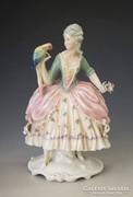 Ens porcelán: papagájos hölgy