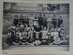 0G025 Antik iskolai osztálykép fotográfia
