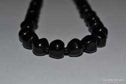 Üveg nyaklánc ( fekete )