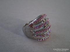 Dekoratív rózsaszín köves gyűrű