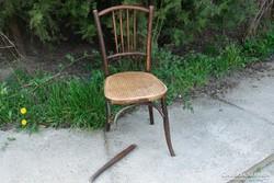 Mundus jellegű szék - javításra váró