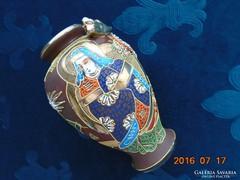 Japán antik Satsuma  Moriage váza-dombor sárkány-16 cm