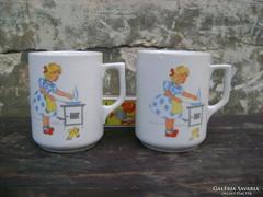 Régi jelenetes Zsolnay teás csésze párban eladó
