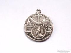 XI.Piusz pápa ezüst medál.