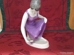 Hollóházi Vízmerítő porcelán figura szobor