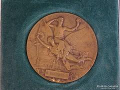 0H134 Francia nemzetközi kiállítás bronz érem 1900