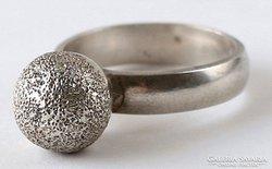Texturált gömb ezüst gyűrű