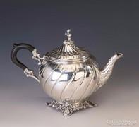 Ezüst barokk stílusú teáskanna
