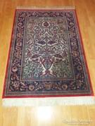 Gyönyörű selyem perzsa szőnyeg