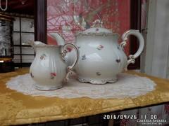 Zsolnai tea és tej kiöntő