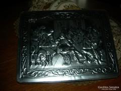 Jelenetes régi lemez doboz