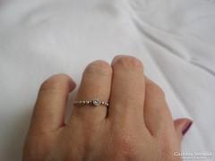 Vékony kis köves ezüst gyűrű