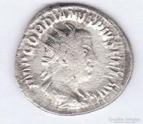Gordian III. ezüst denariusz, 3,08 gr.
