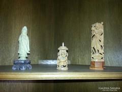 Távol-keleti szobrok