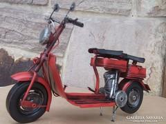 Nagyméretű Motorbicikli lemezmodell új, ajándékba is