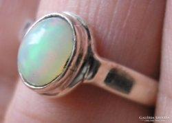 925 ezüst gyűrű, 17,9/56,2 mm etióp opállal