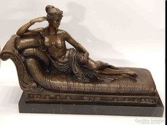 Nagyméretű bronz Venus Victrix szobor
