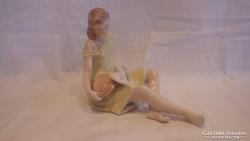 Drasche 1.oszt. porcelán galambetető lány szobor