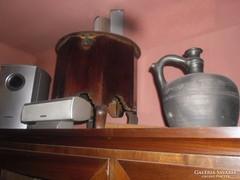 Antik fából készült wc porcelán tálal