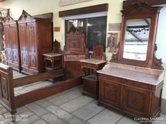 Antik bútor, Bécsibarokk háloszoba garnitúra.