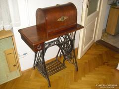 Antik Singer varrógép eladó