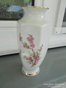 Porcelán váza