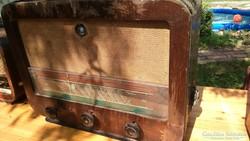 5 db régi csöves rádió egyben eladó 22000 ft-ért