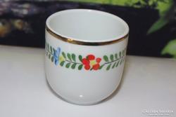 Régi hollóházi porcelán kézzel festett kupocás pohárka 10-es
